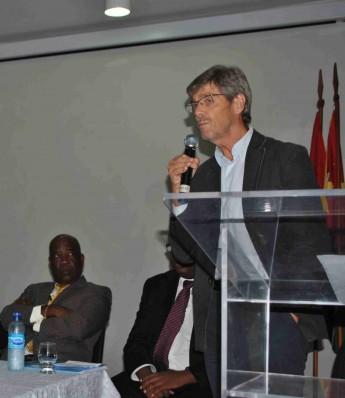 Coordenador da Cátedra Unesco – EJA, Timothy Ireland