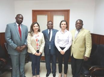 à direita - Diretor em exercício do Ministério dos Negócios Estrangeiros em Moçambique - Santos Alvaro e Equipe, Maria Socorro Moura Rufino (Proinst), ABC Mariana Horta.