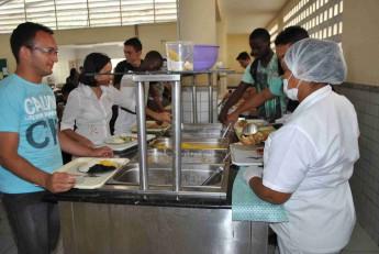 almoco-tipico-restaurante-universitario-1-samba-unilab-