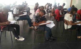 Aplicação das provas em Luanda, Angola.