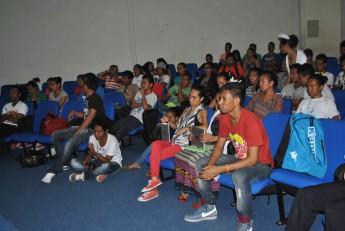 Estudantes se reúnem com a Comitiva do Timor-Leste.