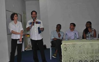 Os facilitadores, Mateus Fernandes e Loise Vendramini.