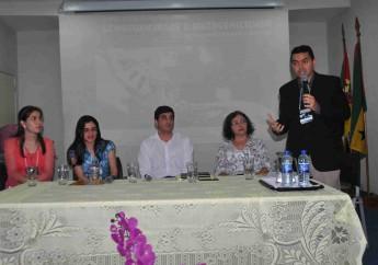 Coordenador do evento e professor da Unilab, Washington Barros, abriu as atividades do curso.