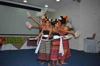 Dança típica do Timor Leste.