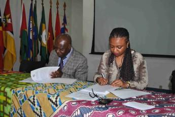 assinatura-acordo-cooperaca-unilab-e-universidade-kimpa-vita-angola-aniversario-03-anos-da-unilab-2014-