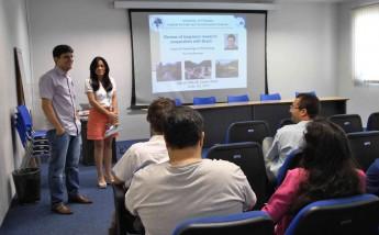 A pró-reitora de Graduação, Andrea Linard, e o professor do IEDS, Alexandre Costa, abriram o evento.
