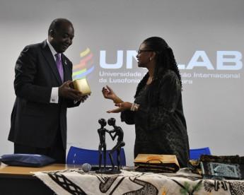 Artesanatos típicos de Moçambique e Brasilcomplementaram a troca cultural do encontro