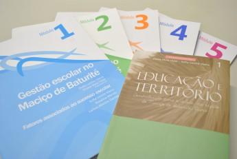 Lançamento do livro e módulos utilizados no curso