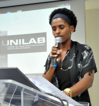 Diretora do ICSA, profª Rosalina Tavares