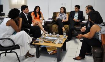 Embaixador e embaixatriz com os pró-reitores da Unilab