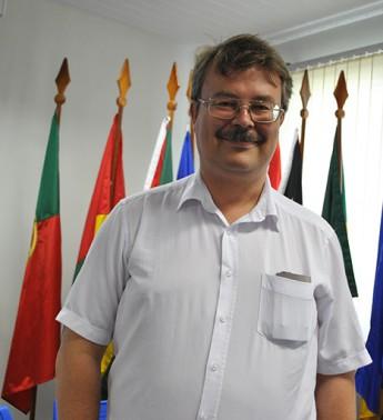 Professor Axel Pelster