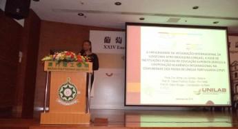 Reitora apresenta Unilab aos participantes.