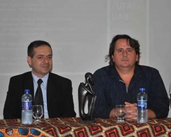 Fernando Pimentel, ao lado do vice-reitor da Unilab, Fernando Afonso.