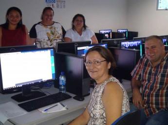 Professores e tutores que participaram do encontro presencial.