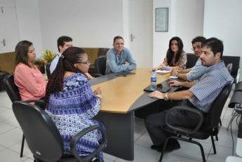 Reunião dos avaliadores do Inep com a reitora Nilma Gomes ocorreu na manhã desta sexta-feira (12).