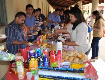 Café-da-manhã colaborativo com servidores da Unilab