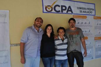 Da esquerda para a direita alguns dos integrantes da CPA: o gerente da Divisão de Suportes, Carlos Eduardo Barbosa e os professores Aiala Vieira, John Hebert da  Silva e Ramon Capelle de Andrade.