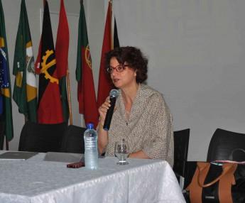 Ana Maria Gomes, professora da UFMG, ministrou a palestra de abertura da I Semana Universitária.