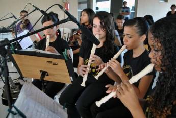 O evento contou com a participação da Escola Livre de Música de Redenção, com alunos entre 10 e 17 anos.Eles tocaram desde o forró pé de serra à MPB, Bossa Nova e Beatles.