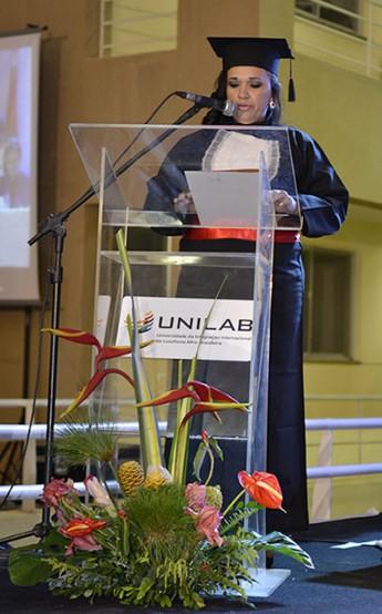 Oradora da turma, Valdélia Freitas.
