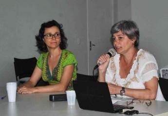 Professora da UFRJ, Andrea Moraes Alves, ministra palestra em Simpósio da Unilab.