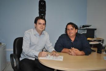 Thiago Albuquerque, novo pró-reitor de Administração, ao lado do vice-reitor da Unilab, Fernando Afonso.