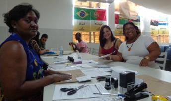 Em destaque: A assistente administrativa Maria José da Cruz; Lenira Alves e Larissa Alves