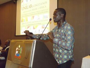 Presidente da Associação de Estudantes e Amigos da África, estudante Beto Infante