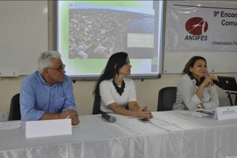 (esq. p/ dir.) José Anderson Sandes (UFCA), Iara Malta (Andifes) e a reitora Raimunda Monteiro (Ufopa) - (Foto: Luena Barros - Ascom/Ufopa)