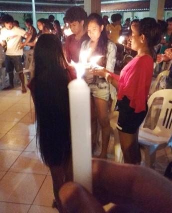 Velas foram acessas para lembrar o massacre de Santa Cruz, ocorrido em 12 de novembro de 1991, no Timor Leste.