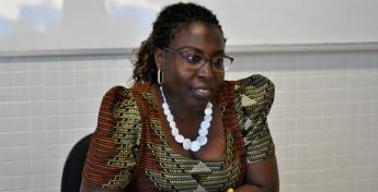 Professora Artemisa Candé, do Instituto de Humanidades e Letras. Foto: Assecom/Unilab.