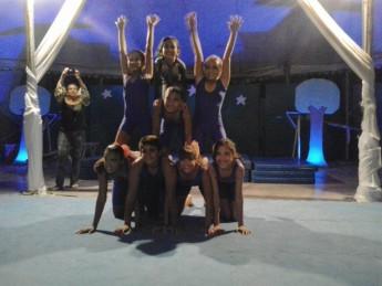 crianças circo