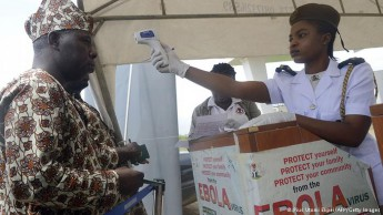 Controle do vírus do ebola (Foto: Deutsche Welle)