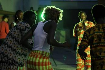Estudantes apresentam Dança Guiné