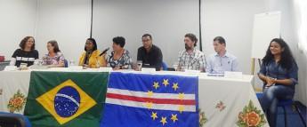 foto mesa roda de conversa B Cabo verde 2016.