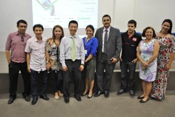 Membros do NIT junto com o palestrante Henry Suzuki. Foto: Assecom/Unilab.