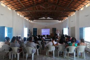 Estudante na Associação dos Moradores da Prainha do Canto Verde.