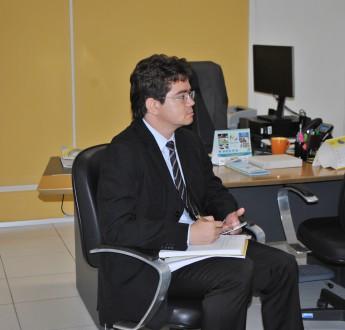 Reitor pro tempore em exercício, Aristeu Rosendo, recebe a Comitiva Diplomática de Guiné-Bissau.