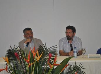 Reitor Pro Tempore da Unilab, Tomaz Santo, e o professo do Instituto de Desenvolvimento Rural (IDR), Francisco Nildo.