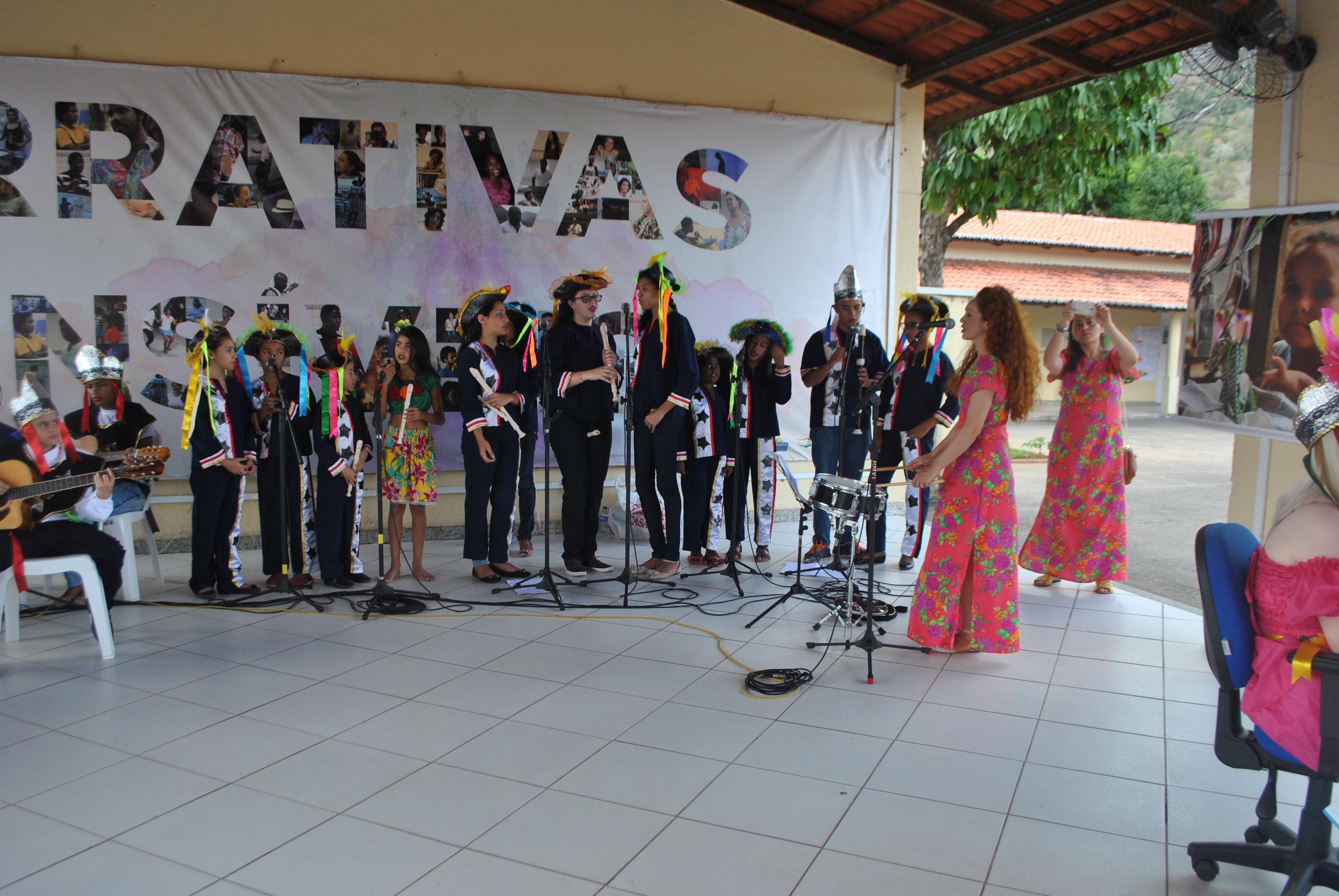 Grupo de reisado de crianças e adolescentes de Pacoti, no Maciço de Baturité. Foto: Assecom/Unilab.