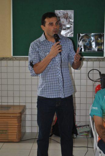"""Paulo Farias, vice-coordenador do Projeto de Extensão """"O Esporte Ultrapassando Barreiras""""."""