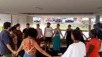 """Momento da oficina """"Corporeidade Poética: transcendendo o Corpo partindo da Ancestralidade Africana."""