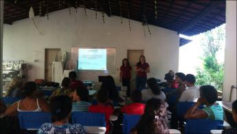 Estudantes do IDR realizam apresentação aos agricultores do Maciço de Baturité.