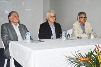 Diretor da Fiocruz Ceará, Carlile Lavor; reitor da Unilab, Anastácio Sousa; e coordenador do Nethis/Fiocruz, José Paranaguá.