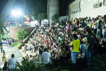 Público no anfiteatro do Campus da Liberdade. (Foto: Ivan Freire/Proex)
