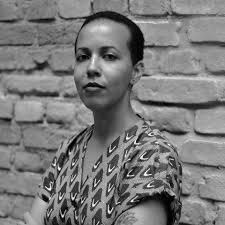 Poeta, editora e tradutora: Lubi Prates.