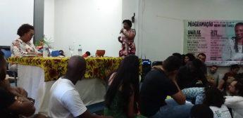 Mesa formada pela professora Rosângela Ribeiro, do Curso de Pedagogia da Unilab, e pela professora Nilma Gomes. Fonte: Sepir/Unilab.