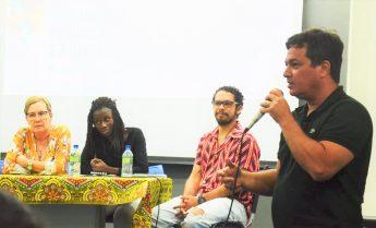 Professor Eduardo Machado, coordenador do Grupo Diálogos Urbanos, durante a abertura dos trabalhos do Seminário.