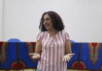 Professora e coordenadora institucional: Elisangela André.